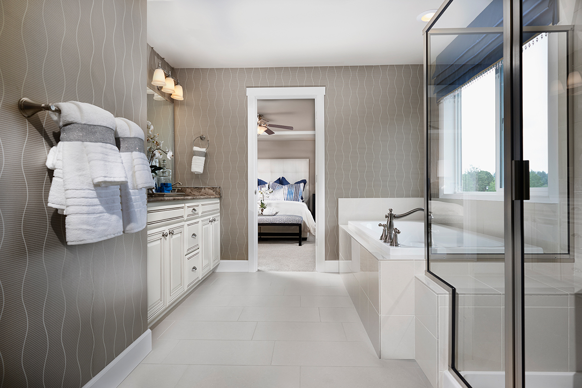 Hemingway master bath in Washington
