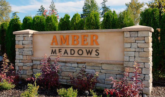 AmberMeadows.Monument.W