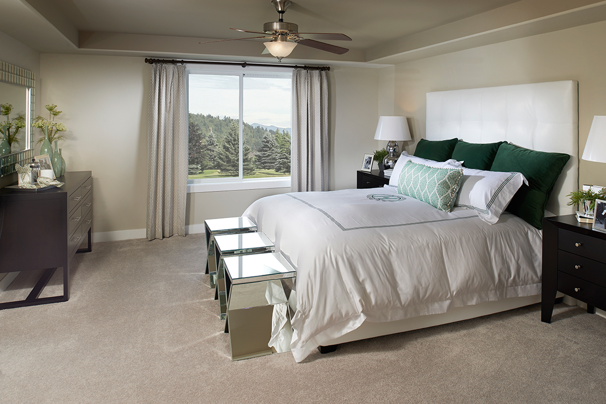 Alison model master bedroom (Rivers Edge, Washington)