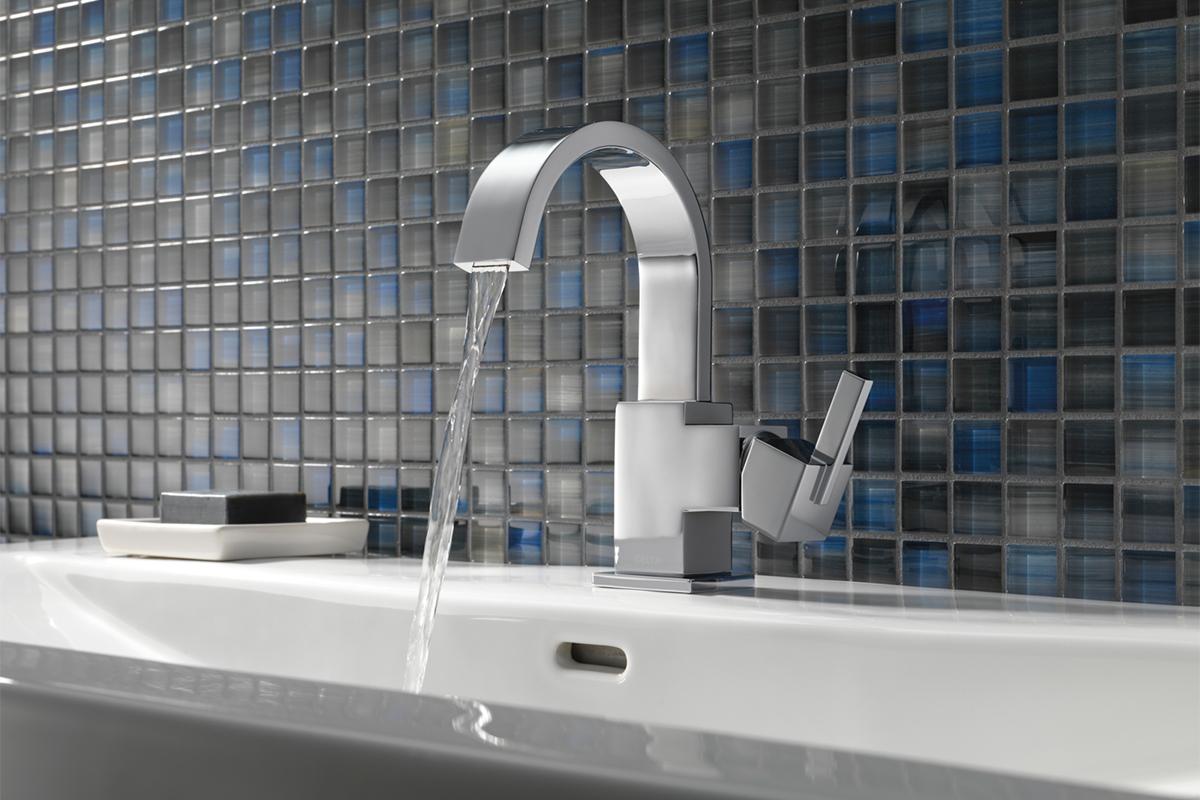 Delta<sup>®</sup> Vero™ faucet &bull; Model #: 553LF-SS