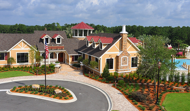 Community clubhouse and pool at Rolling Hills at Lake Asbury in Jacksonville
