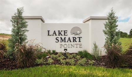 Monument of Lake Smart Pointe in Orlando