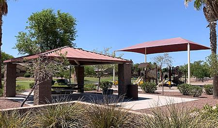 Picnic area in Seaons at Villago in PHX