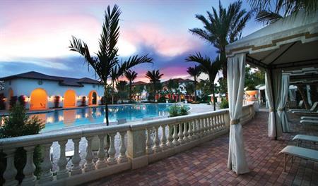 The Oaks at Boca Raton - Poolside Seating