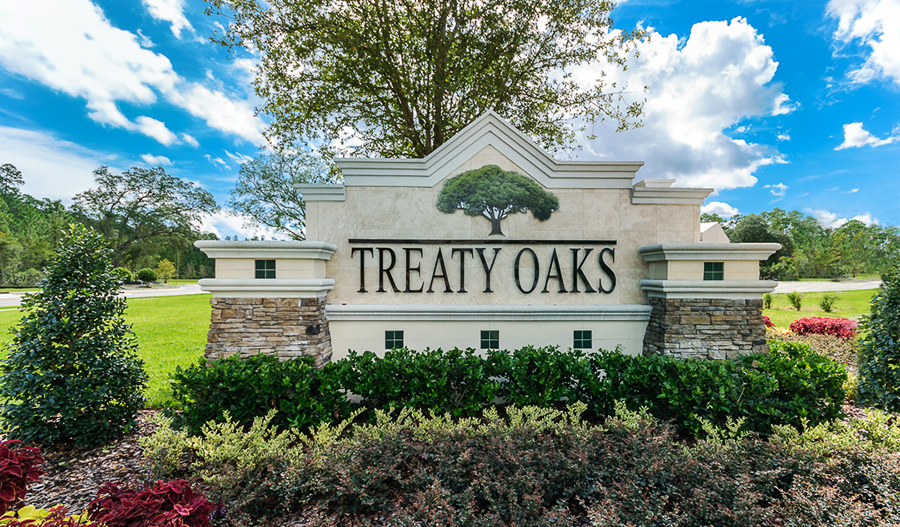 Entrance to the Treaty Oaks community in Jacksonville