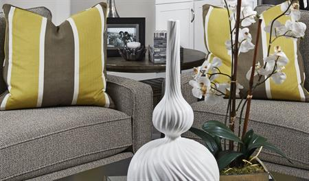 High-End series 3 - Dallas-Greatroom- white-gray-yellow