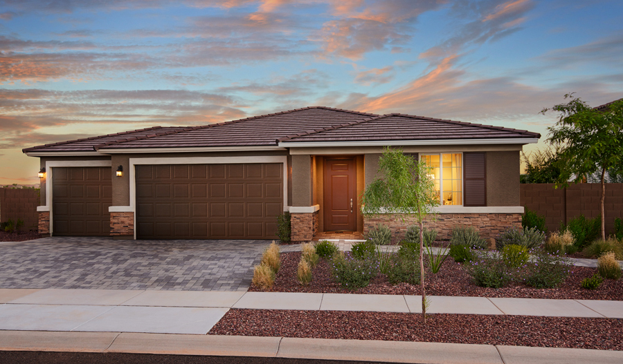 Exterior view of Raleigh plan in Desert Oasis in Phoenix at dusk