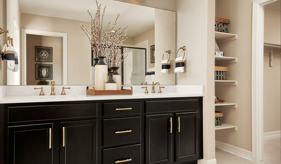 Master bathroom of the Lapis plan in Colliers Hill