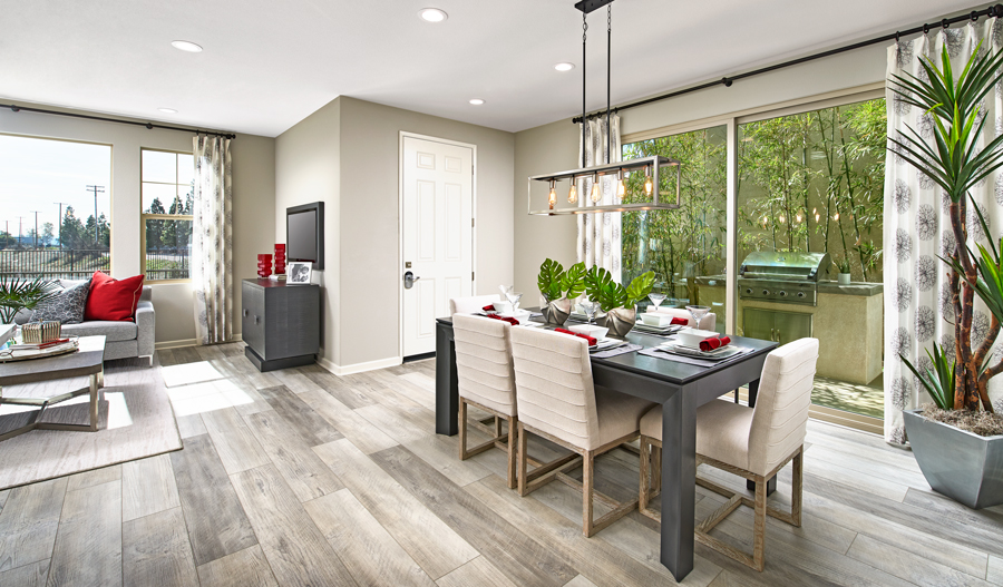 Dining room of the Essex plan in IE