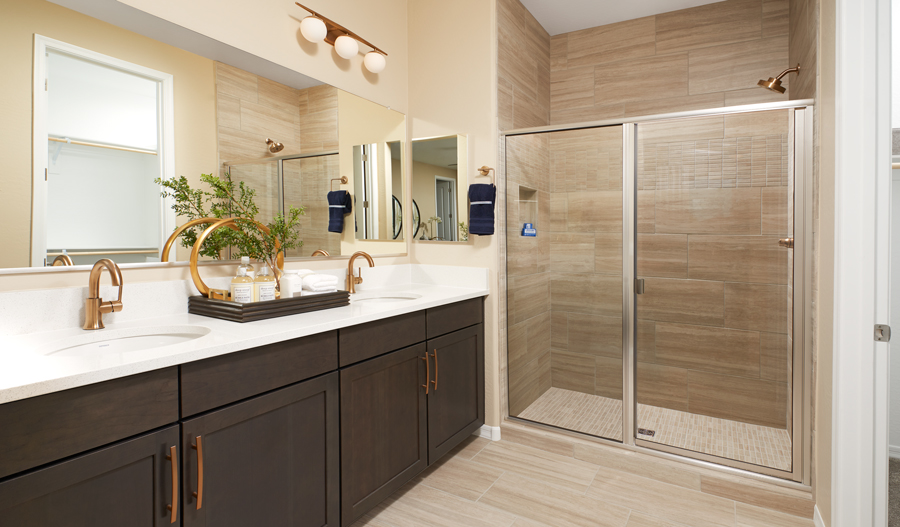 Master bath of the Sapphire