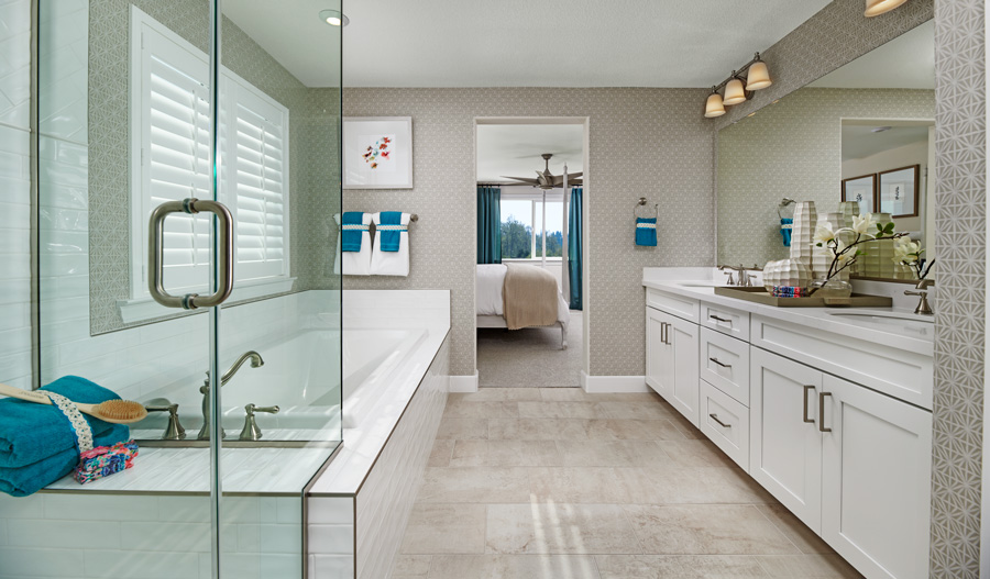 Owner's Bath of the Liesel plan